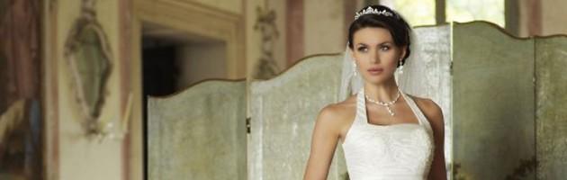 Les bijoux adaptés à une robe de mariée à encolure américaine