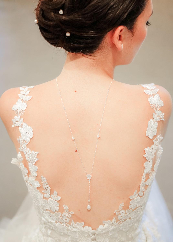 Collier de dos mariée Gardania