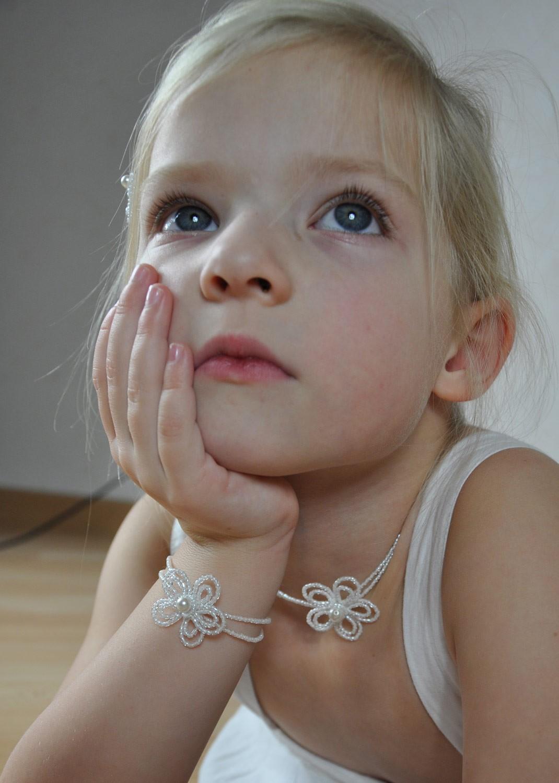 pin collier perles et feutrine orange modulable bijoux par. Black Bedroom Furniture Sets. Home Design Ideas