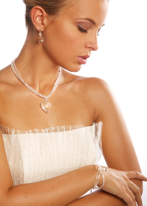 collier bijoux mariage coeur d 39 amour princesse d 39 un jour. Black Bedroom Furniture Sets. Home Design Ideas