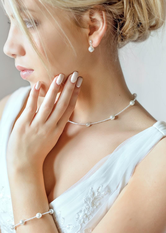 collier mariage elena en perles ivoire clair princesse d 39 un jour. Black Bedroom Furniture Sets. Home Design Ideas