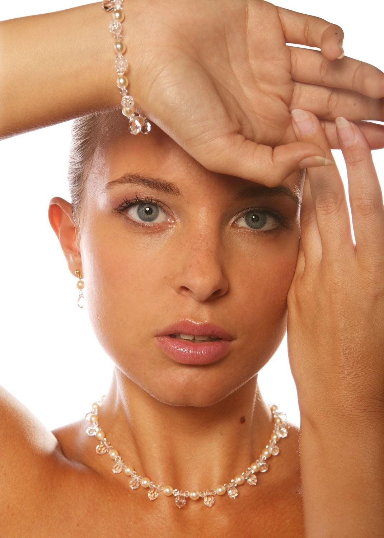 parure mariage cristal gouttes perles princesse d 39 un jour. Black Bedroom Furniture Sets. Home Design Ideas